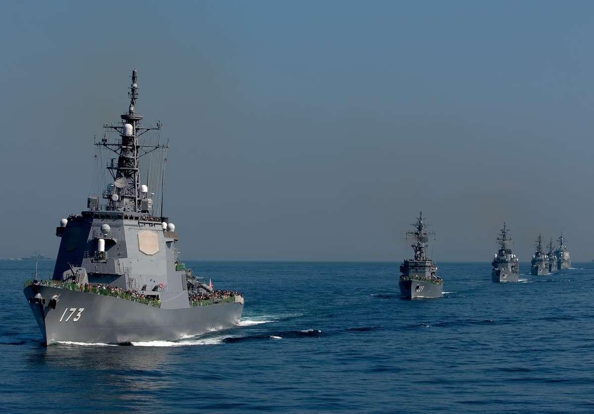 イージス艦と護衛艦