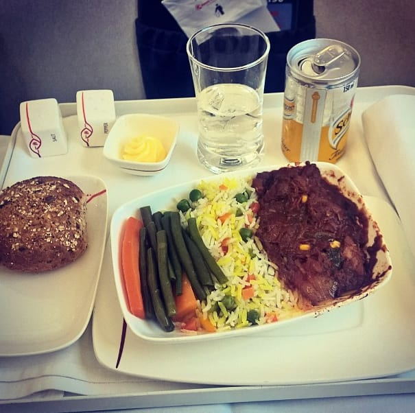 ケニア航空ファーストクラスの機内食