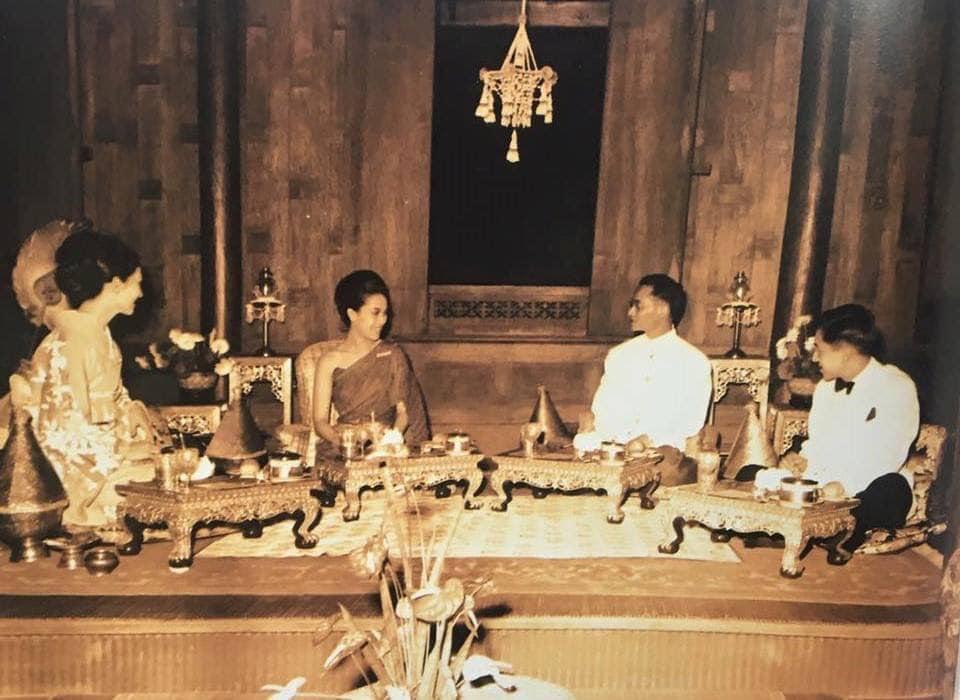 プミポン国王陛下と上皇陛下