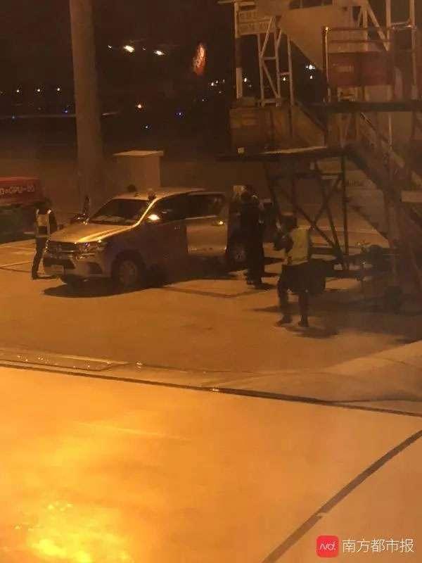 パニックになった中国人は飛行機から降ろされる