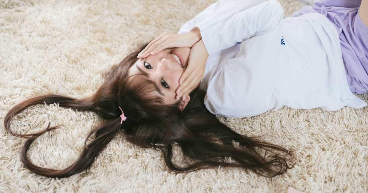 ハートの髪の毛の美少女
