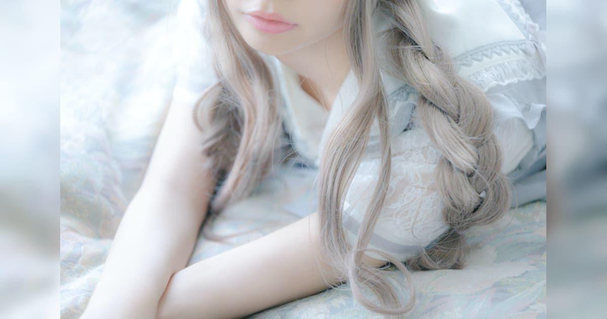 三編みの可愛い美少女