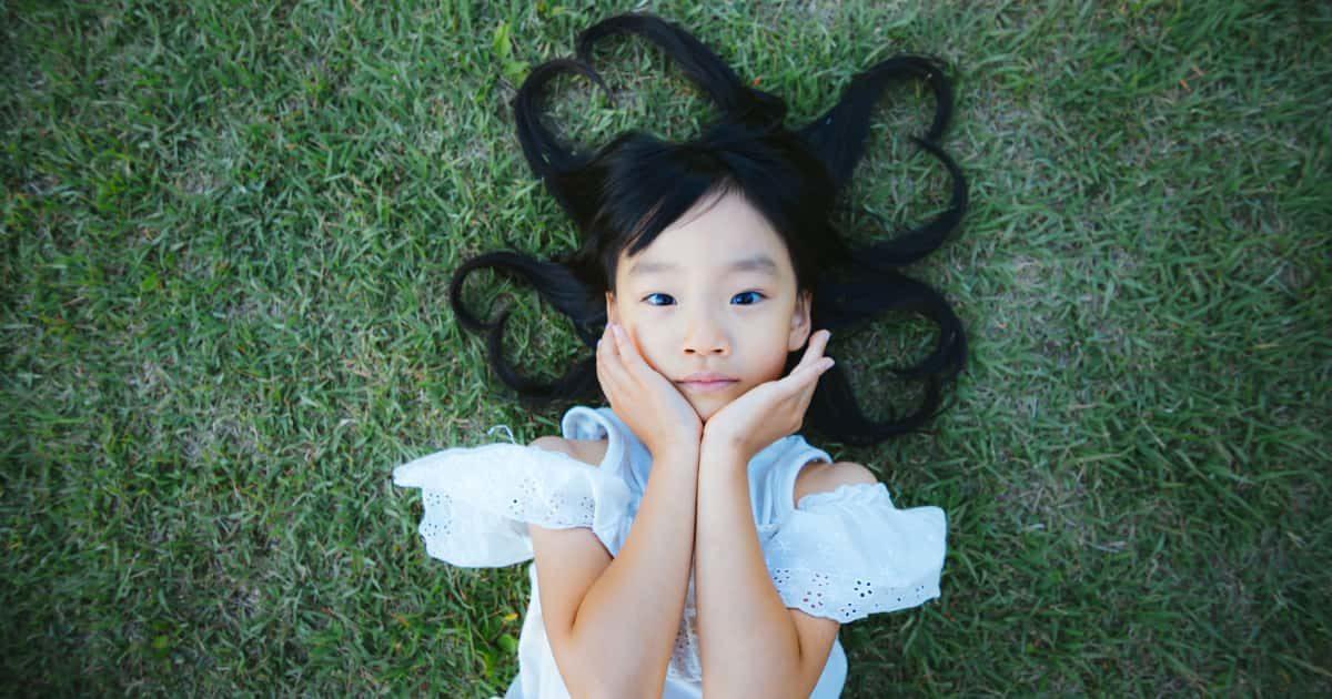 髪の毛がハートの可愛い女の子
