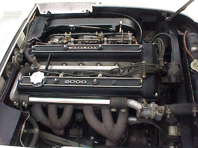 2000GTのエンジン