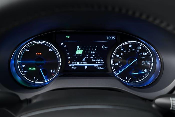 トヨタ・ヴェンザ(7インチのマルチインフォメーションディスプレイ)