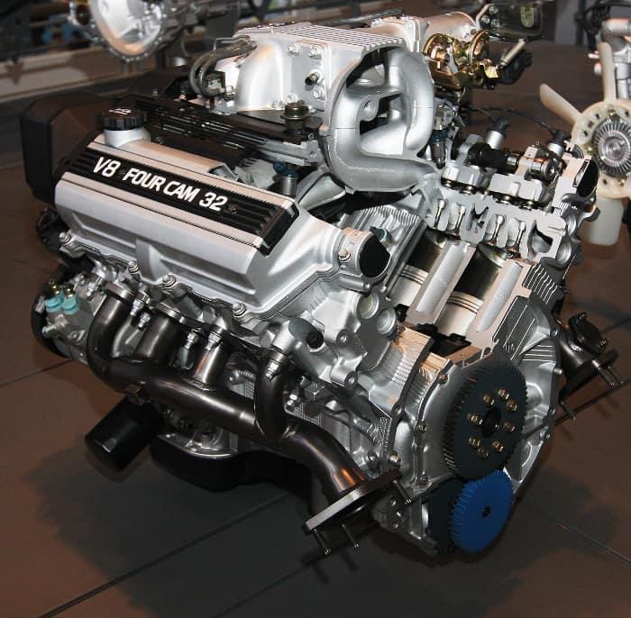 トヨタ:1UZ-FE型エンジン