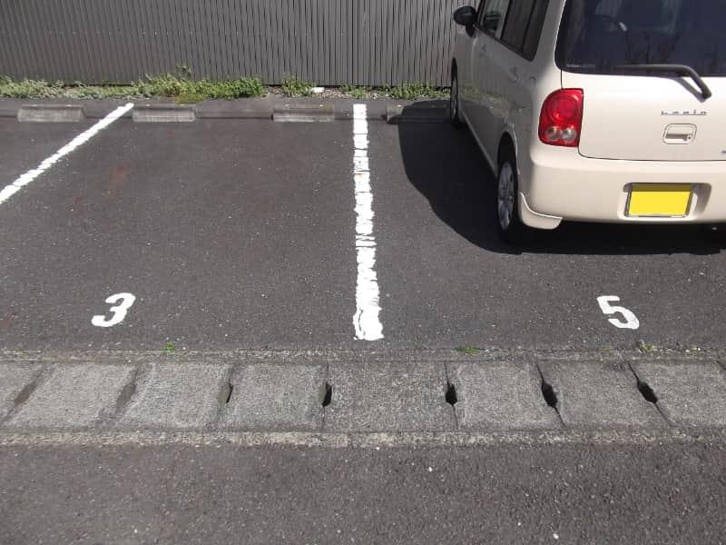 静岡県の駐車場。4がない。