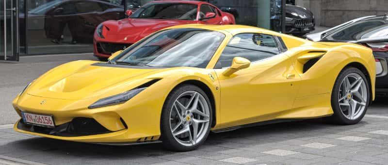 フェラーリ・F8スパイダー