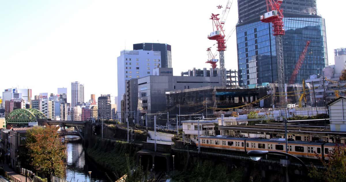 御茶ノ水駅、電車