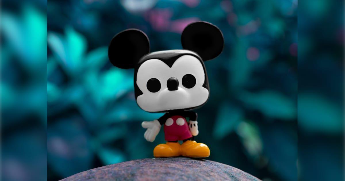 ミッキーマウスの人形