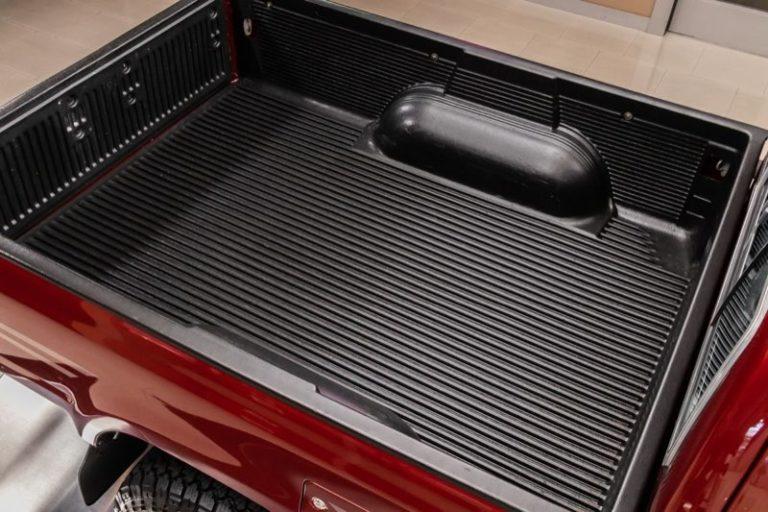 トヨタ「ハイラックス・4WD」荷台