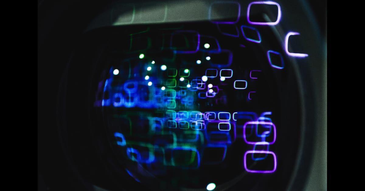 SF、立体ボタン、ホログラム