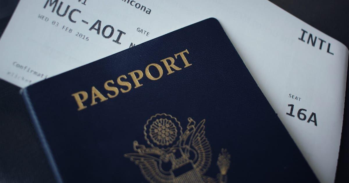 パスポートと搭乗券