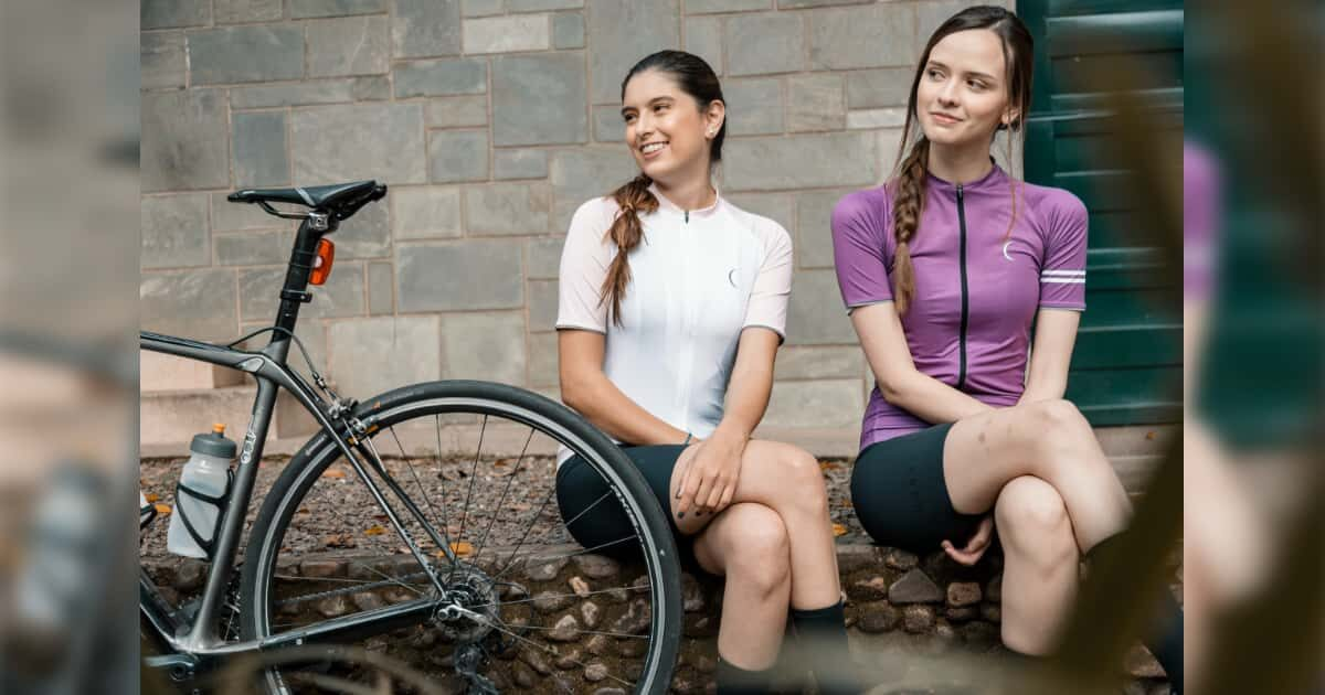 自転車と美人外国人